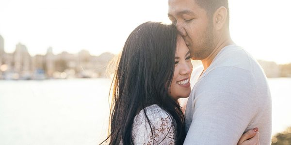 what should wife do to make husband happy
